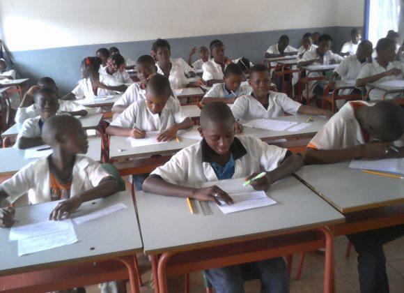 La Fondazione raccoglie fondi per un'aula informatica in Angola