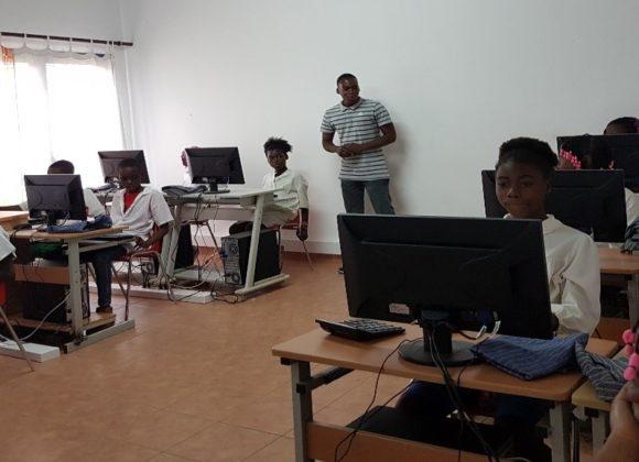 Angola, già attiva la nuova aula informatica