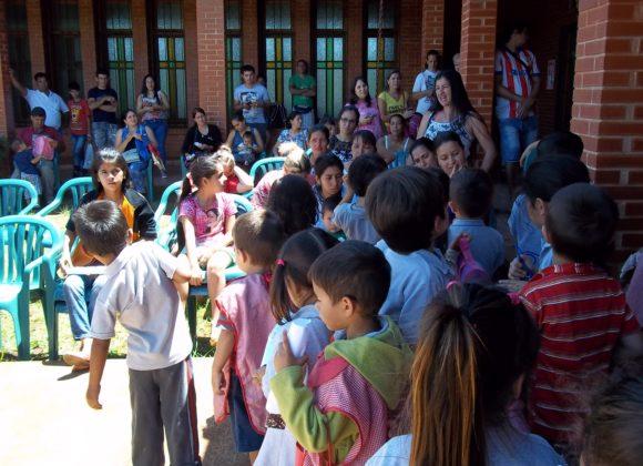 Vogliono solo andare a scuola: aiuta i bimbi del Paraguay!