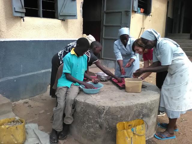 Uganda, borse di studio contro l'abbandono scolastico