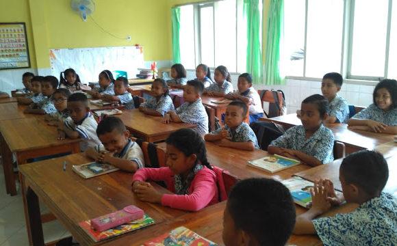 Indonesia: l'importanza di adottare una classe o un bambino a Timor Ovest